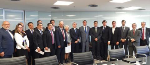 CAIXA e Aesbe terão agenda permanente para discutir a simplificação da tomada de recursos do FGTS pelo setor de saneamento