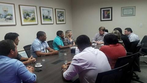 Riachuelo (SE): diretor-presidente da Deso se reúne com prefeita do município