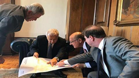 Diretor-presidente da Deso participa de assinatura de termo de empréstimo de equipamentos pela Sabesp
