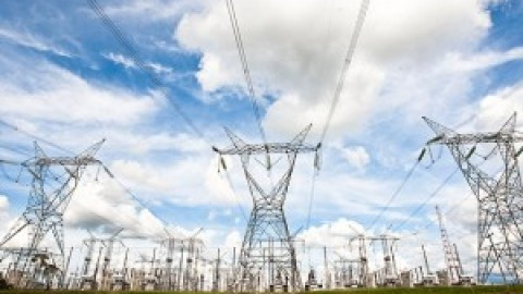 Com nova regra, tarifa de energia deverá subir 3,3% em novembro
