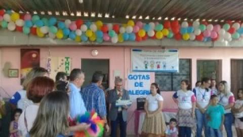 """Projeto """"Gotas de Alegria"""" chega ao fim com doação de brinquedos no Jardim Petrópolis, em Maceió (AL)"""