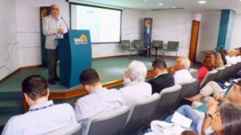 Presidente da Corsan palestra no Sindicato dos Engenheiros no RS