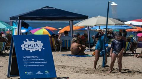 55 duchas ecológicas  são instaladas nas praias do Paraná
