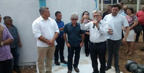 Casal inaugura adutora de mais de r$ 1 milhão em Feira Grande (AL)