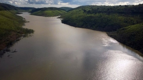 Barragem de Jucazinho, em Pernambuco, volta a acumular água