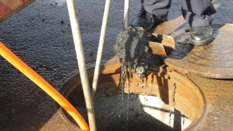 Caerr orienta sobre uso correto da rede coletora de esgoto