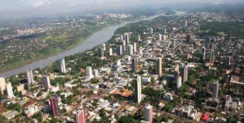 Sanepar amplia rede de água para melhorar abastecimento em Foz do Iguaçu (PR)