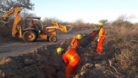 Compesa leva água para comunidades rurais de Parnamirim, no Sertão de Pernambuco