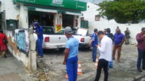 Polícia e Embasa descobrem fraude abastecendo centro comercial em Salvador (BA)