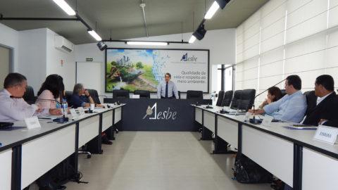 Aesbe recebe representantes de companhias de saneamento para estudar a implantação de pagamentos de fatura via cartão de crédito