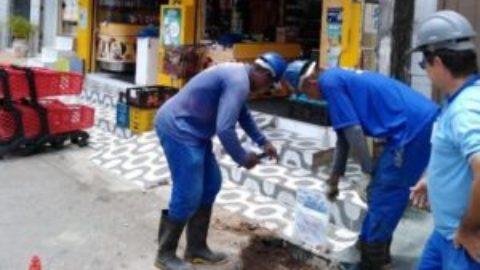 """Mercado e residências no Cassange,  em Lauro de Freitas (BA), são flagrados com """"gato"""" de água"""