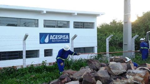 Presidente da Agespisa visita obra em Esperantina (PI)