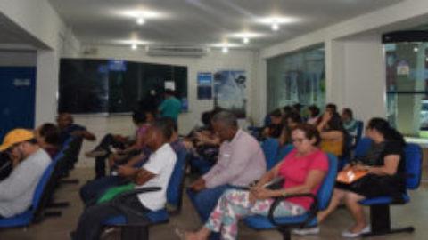Consumidores aproveitam atendimento móvel da Caerr para negociar dívidas