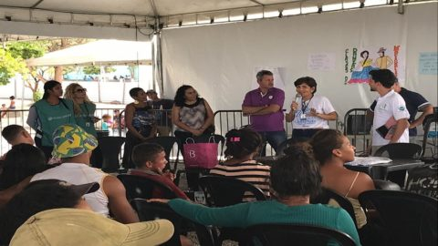 Técnicos da Caerr ministram palestra educativa à imigrantes venezuelanos, em Roraima