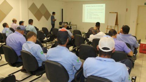 Funcionários da Sanesul participam de curso de segurança no trabalho durante a semana