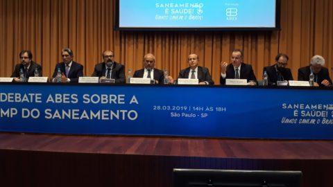 Secretário executivo da Aesbe participa de debate sobre MP do Saneamento em São Paulo