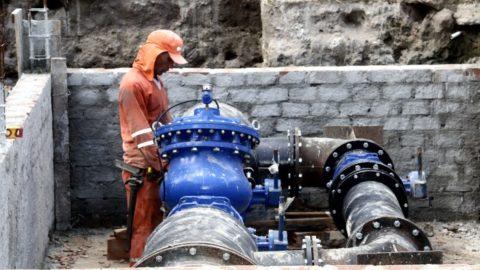 Nova Adutora amplia oferta de água para áreas de morro da Zona Norte do Recife