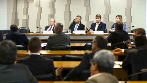 Comissão vota nesta terça o parecer à MP que muda regras do saneamento