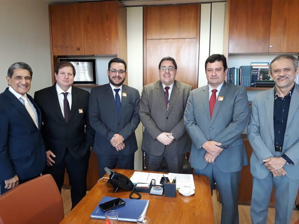 Aesbe apresenta Proposta de Modelagem Econômico-Financeira ao Relator do PL do Saneamento